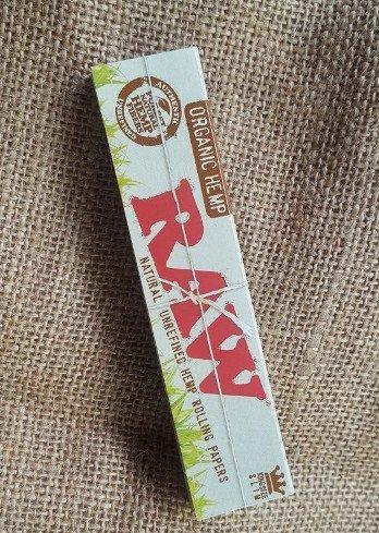 raw-organic-hemp-kingsize-rolling-paper-348×490